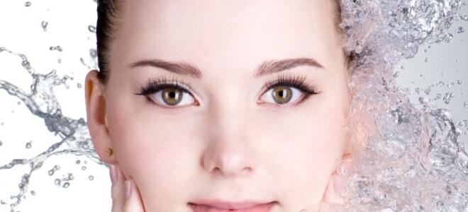 Что нужно знать о связи стресса и обезвоживания кожи