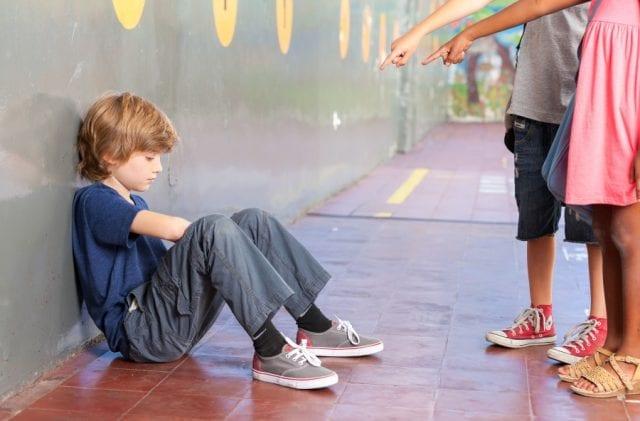 Высмеивание ребенка в классе, как причина боязни идти в школу