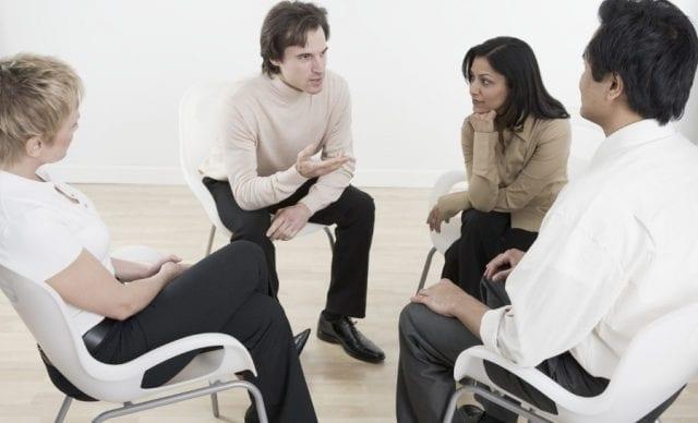 Групповая терапия как способ лечения антихифобии