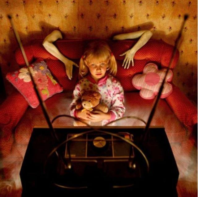 Просмотр в детстве ужастиков может привести к некрофобии